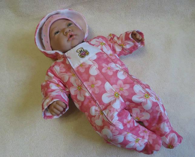 Розовый комбинезон